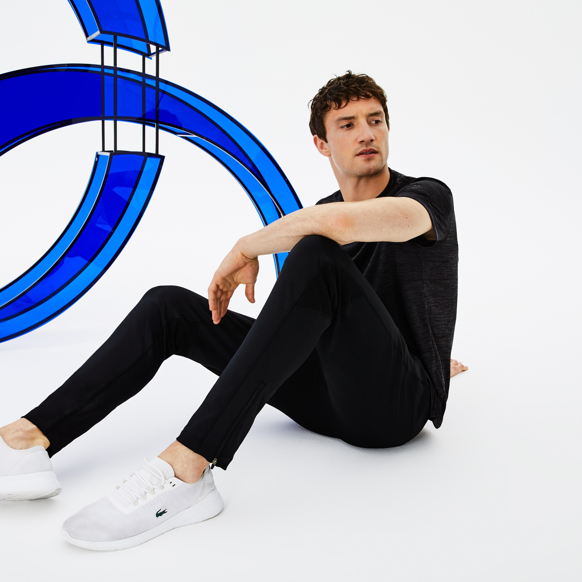 Lacoste SPORT男士网球运动裤,采用科技平纹单面针织面料制成