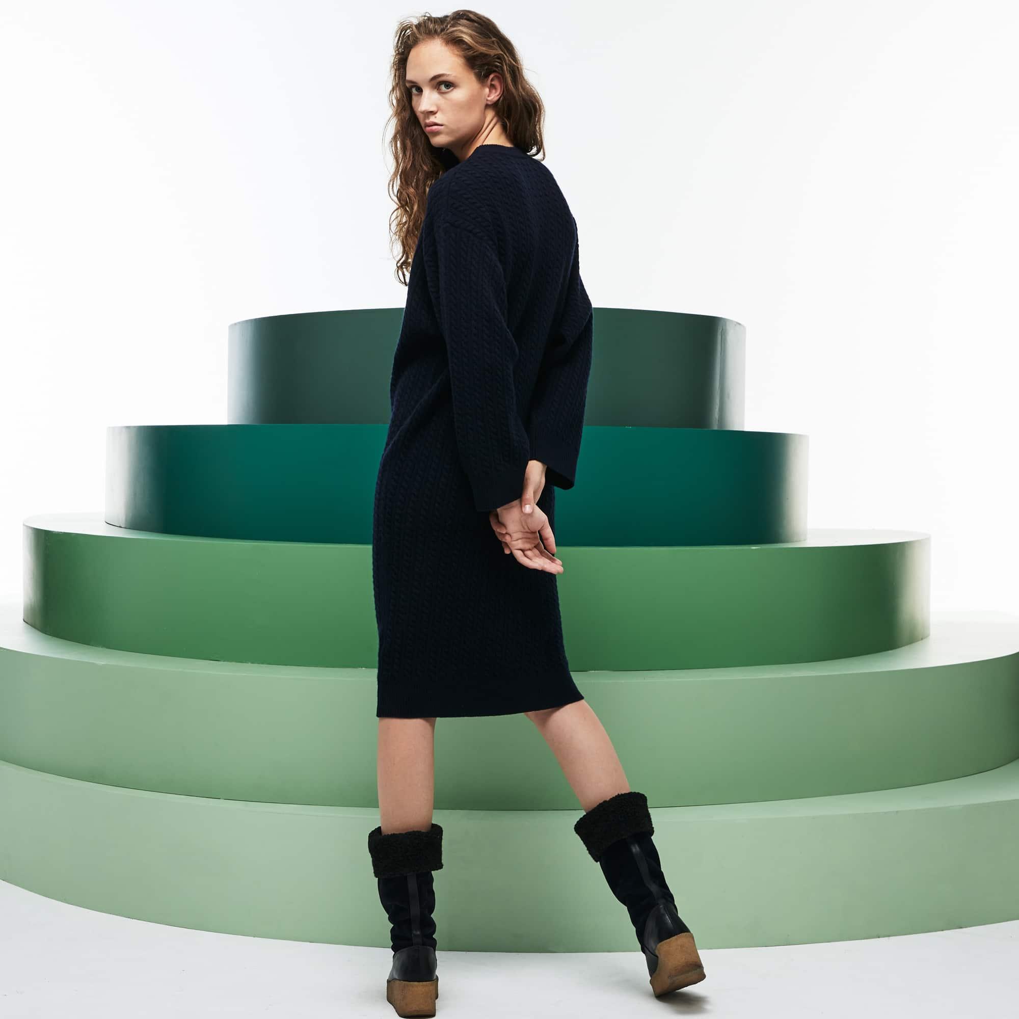 女士走秀款宽松版羊毛和羊绒混纺毛衫连衣裙